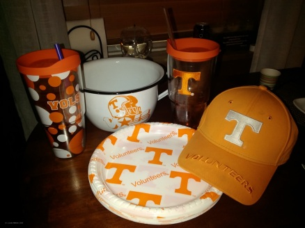 Big Orange football game day table wear