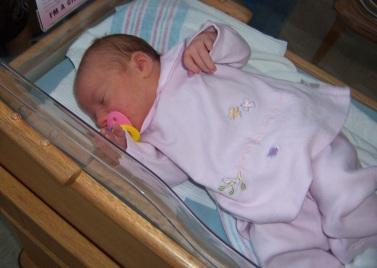 Newborn baby girl (C)