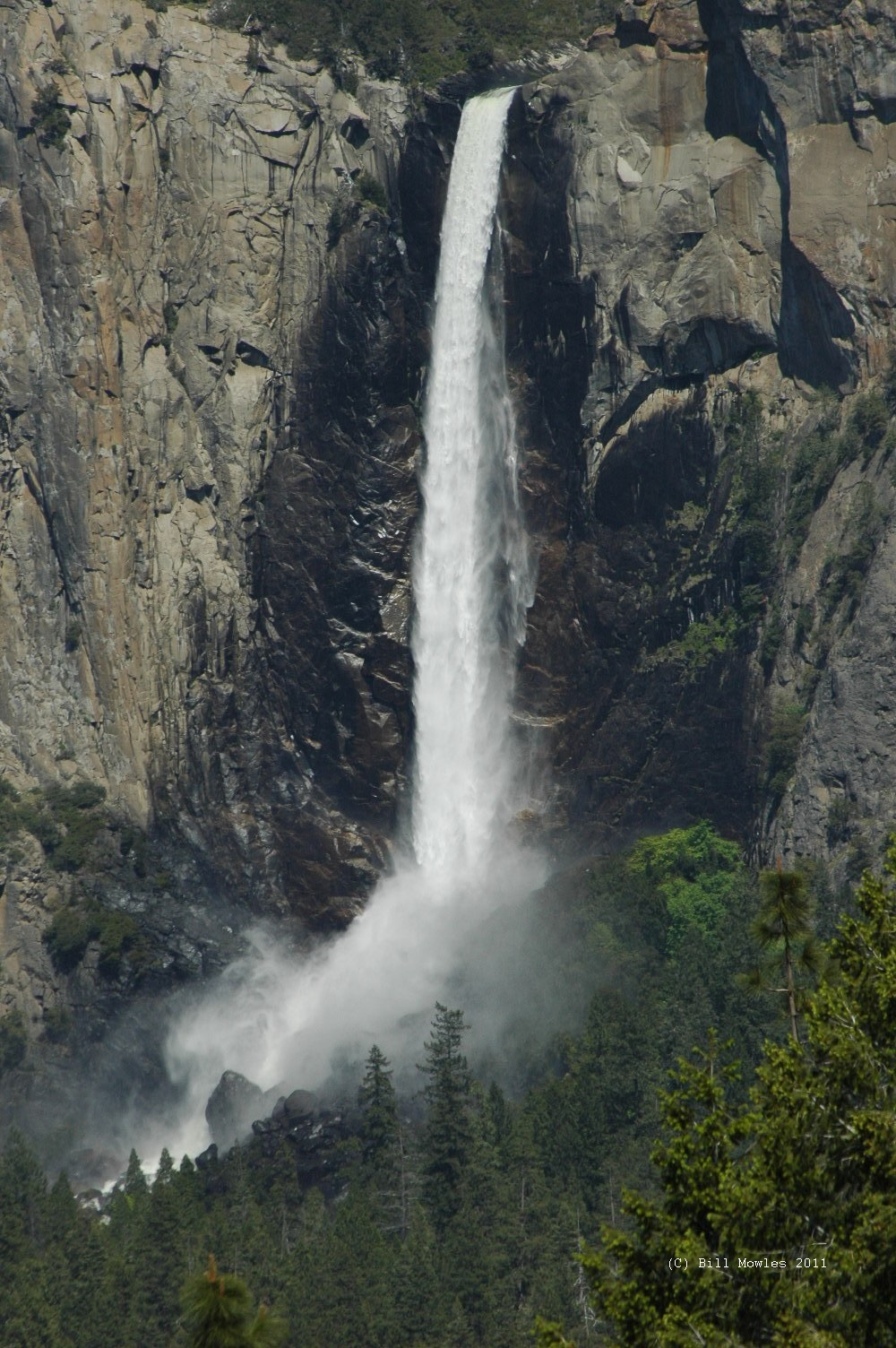 Yosemite majestic waterfalls (C)