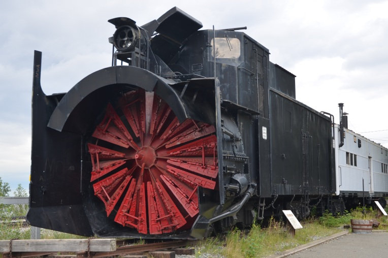 Train - snow plow on engine front
