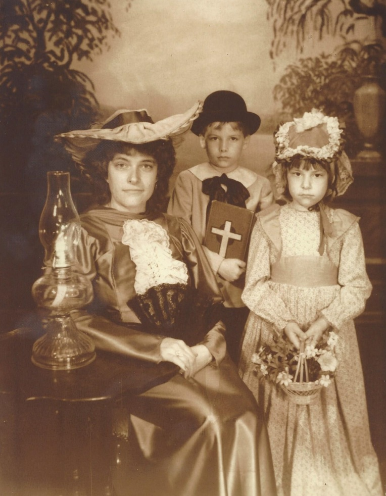 old time family picture