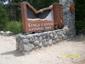 Kings canyon sign 100_3502