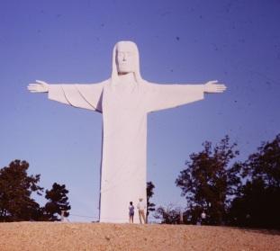 christ-of-the-ozarks-missouri-1968-3