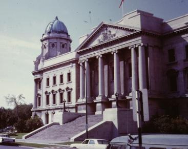 law-courts-building-winnipeg-manitoba-canada