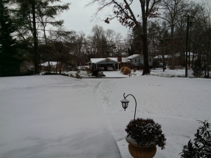 snow-driveway-and-yard
