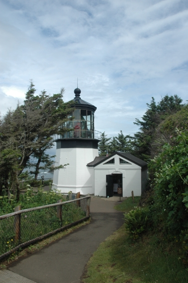 USED Cape Meares Lighthouse short - not height but placement Oregon 2009 424