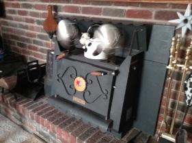 fireplace fans generating heat